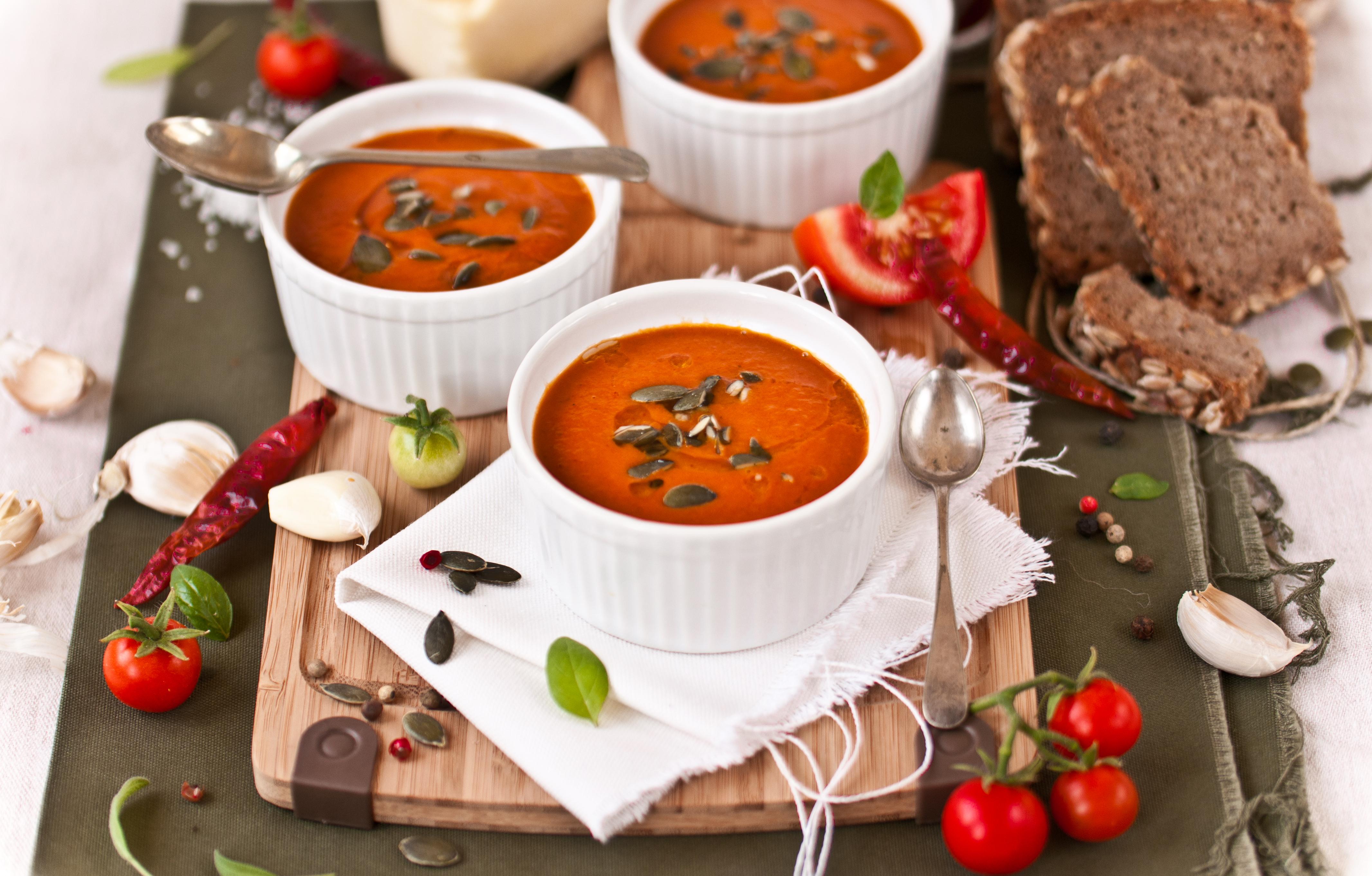Thick, Roasted Tomato & Harissa Soup Recipe